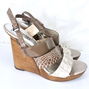 MICHAEL KORS | wooden wedge with straps